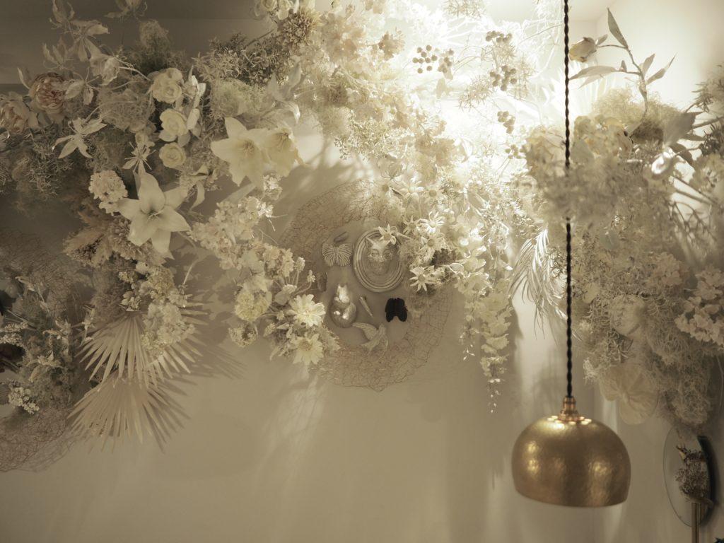 シモキタシマイカフェ 店内に新しい世界観の装花を致しました